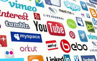 ensemble-de-dizaine-de-logos-de-grandes-marques